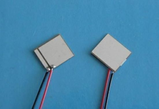 Picture of Piezo Ceraminc Plate 7x8x0.2mm Wire Lead 240 KHz