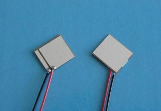 Picture of Piezo Ceraminc Plate 7x8x0.2mm Wire Lead 240 KHz